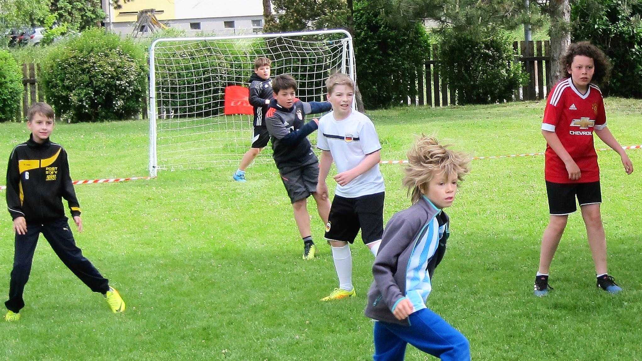 KaRoLieBe – Hobbyfußballturnier bzw. -training  in der Pfarre Rodaun!