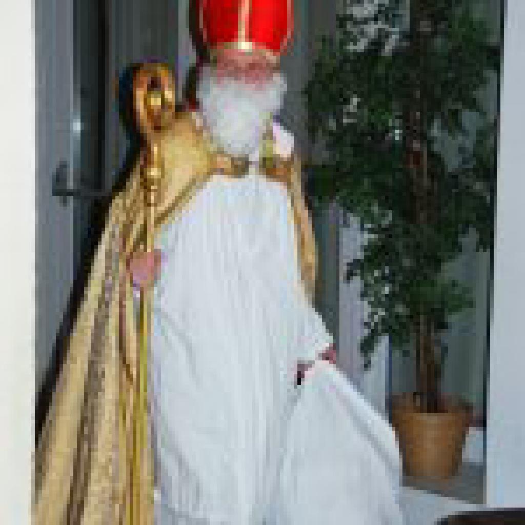 Der Hl. Nikolaus kommt in unsere Kirche
