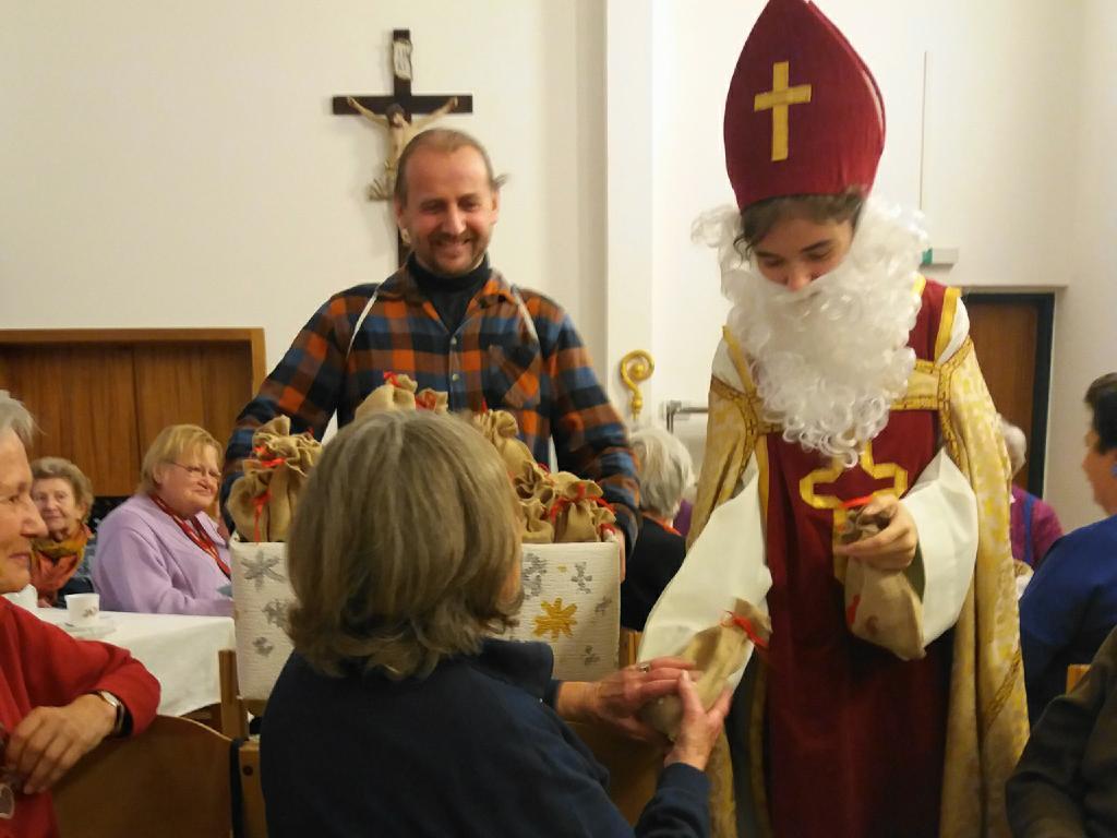 Nikolaus beim Seniorenclub in Rodaun!