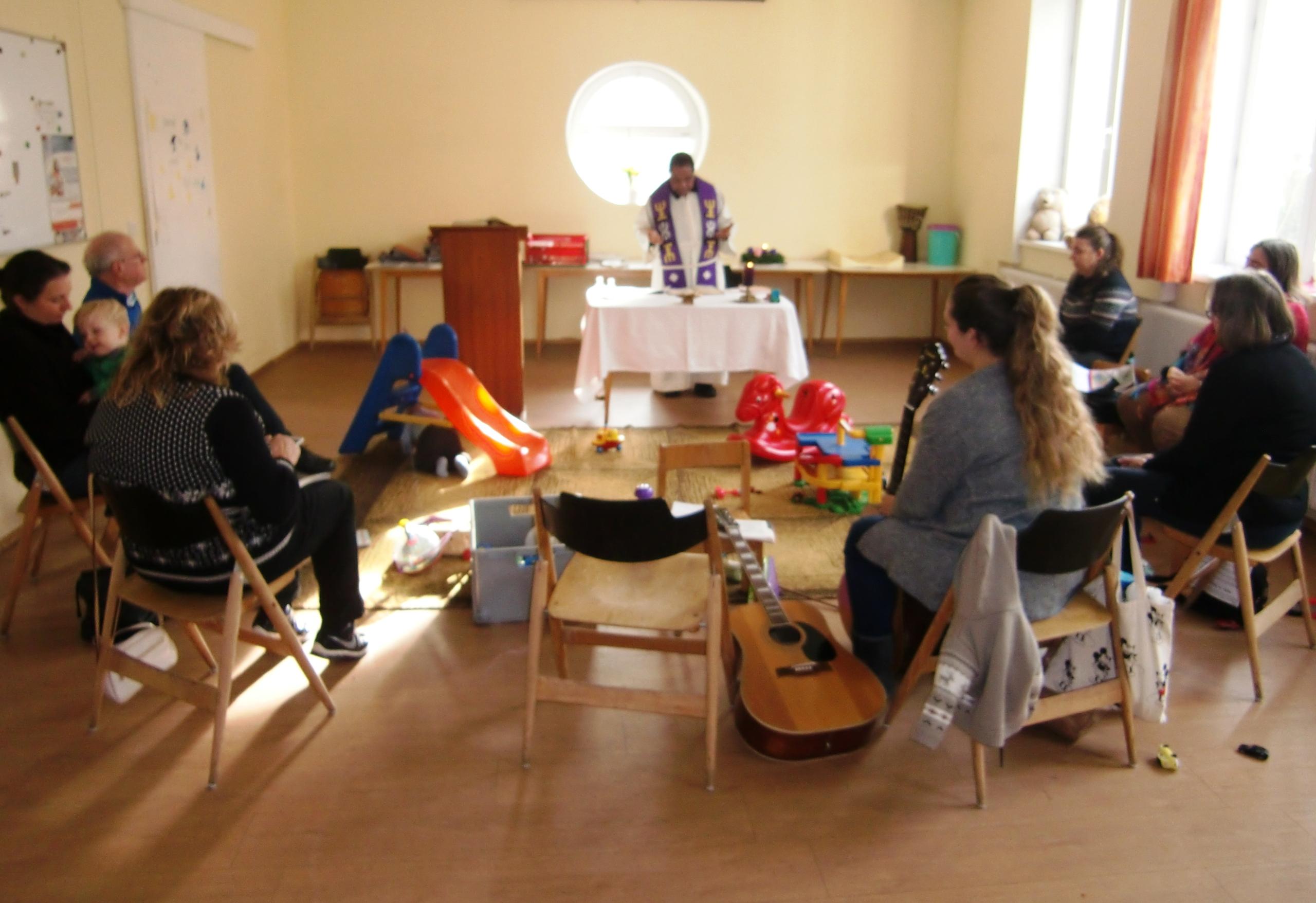 Viel los in den ELKI-Runden mit Nikolaus, Messfeier und Chor!