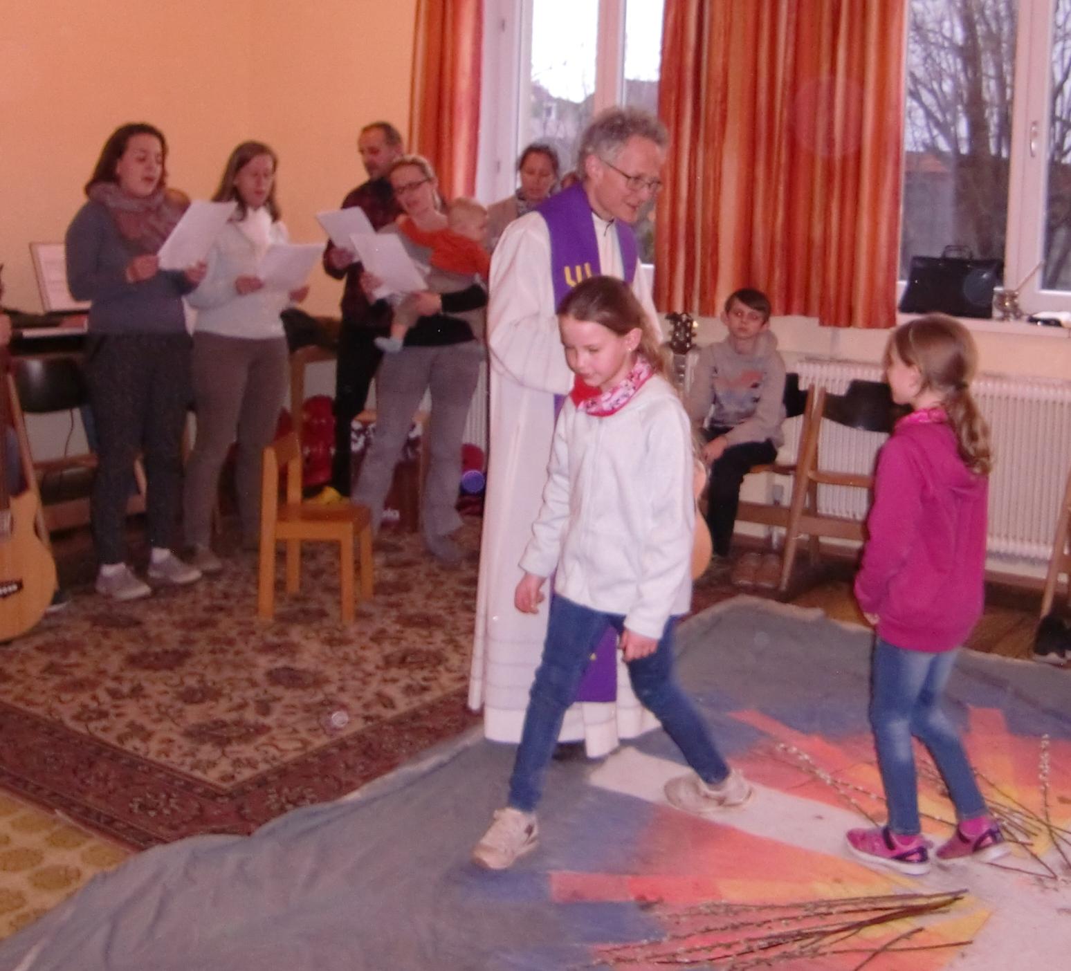 Aschenkreuzfeier der Kinder mit Gitarrencafè und ELKI-Chor