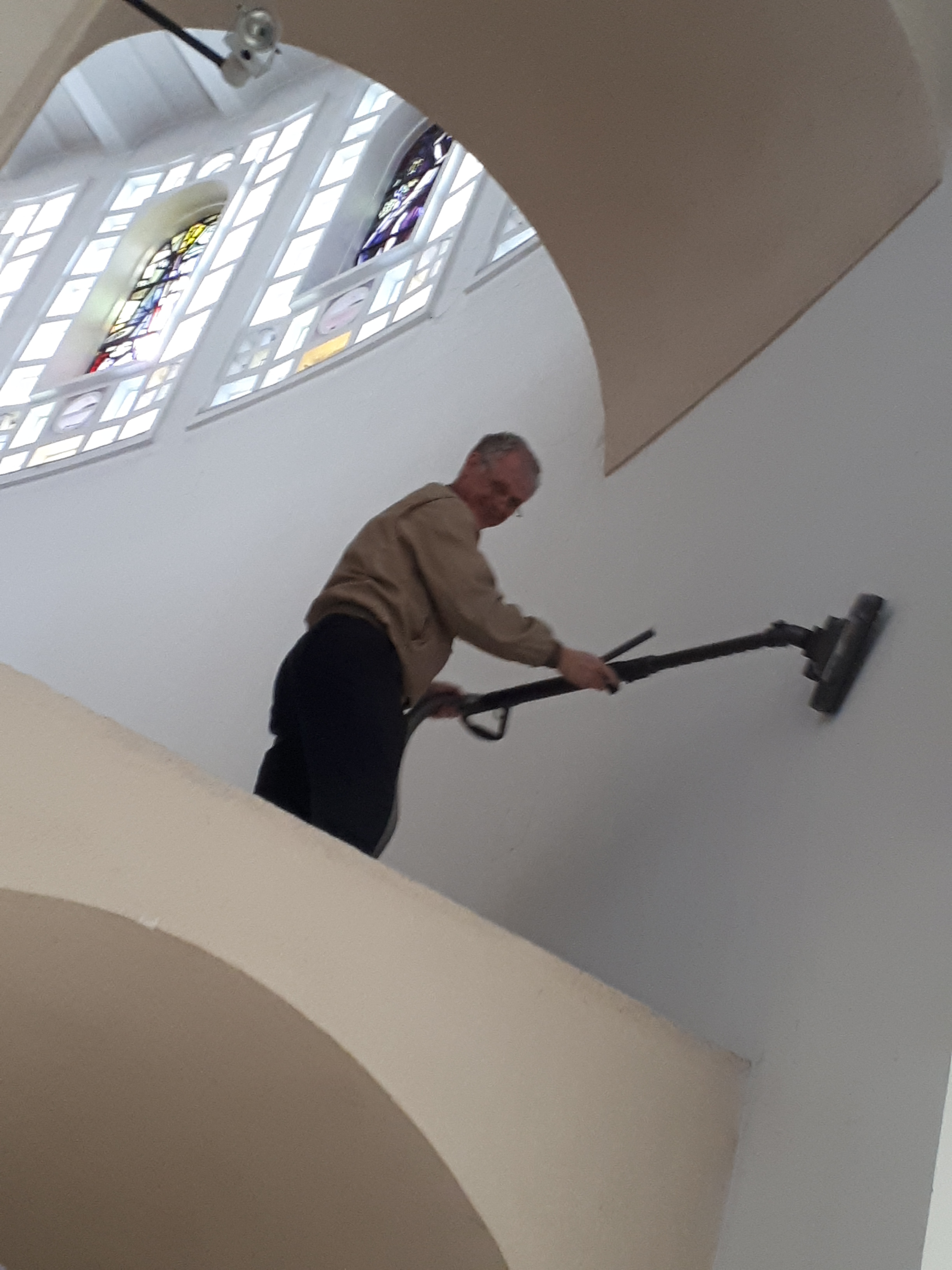 Frühlingsputz in unserer Pfarrkirche – DANKE!