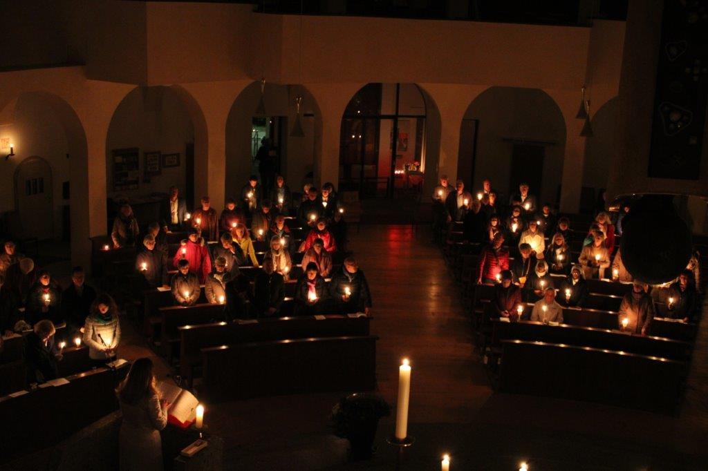 Die Feier der Heiligen Osternacht mit dem Osterfeuer