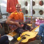 Das Gitarrencafè erklingt mit viel Freude und Sonnenschein!