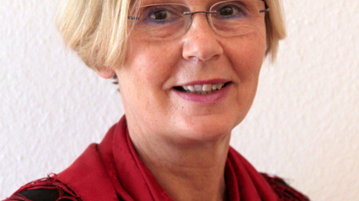 Einführung in die Osterliturgie mit Pfarrassistentin Roswitha Sternberg